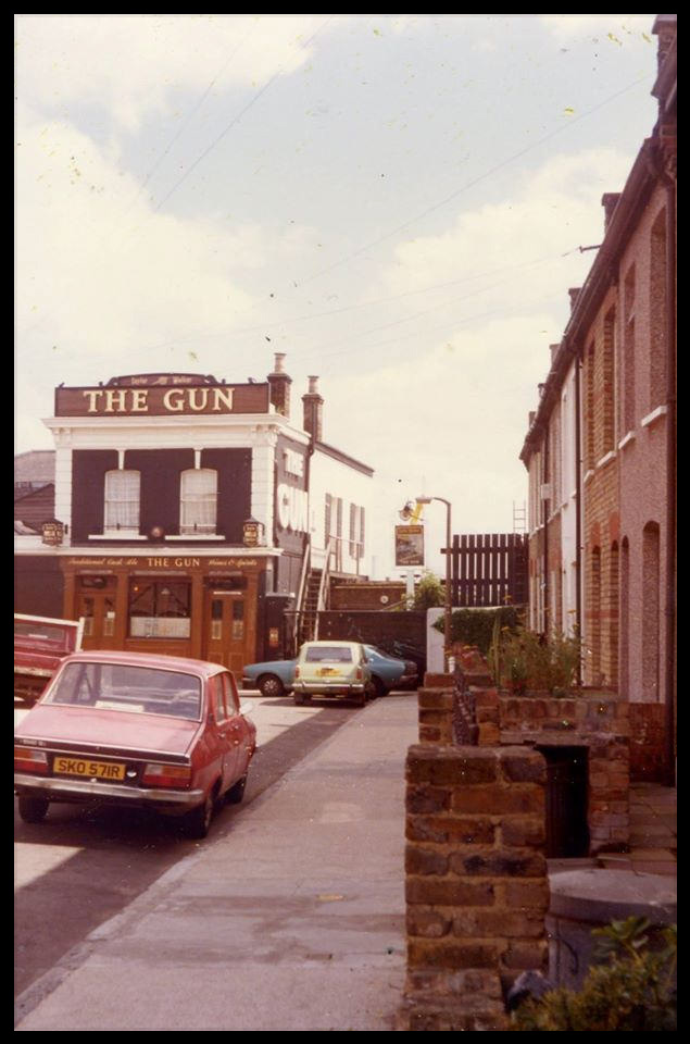 History of the Gun, Docklands